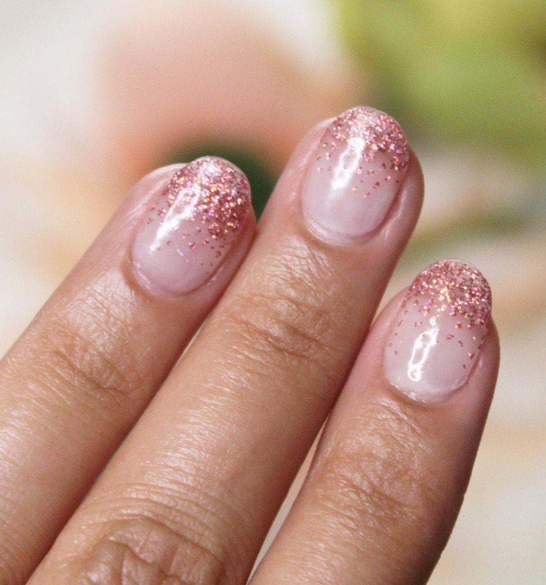 Short rose gold glitter nails