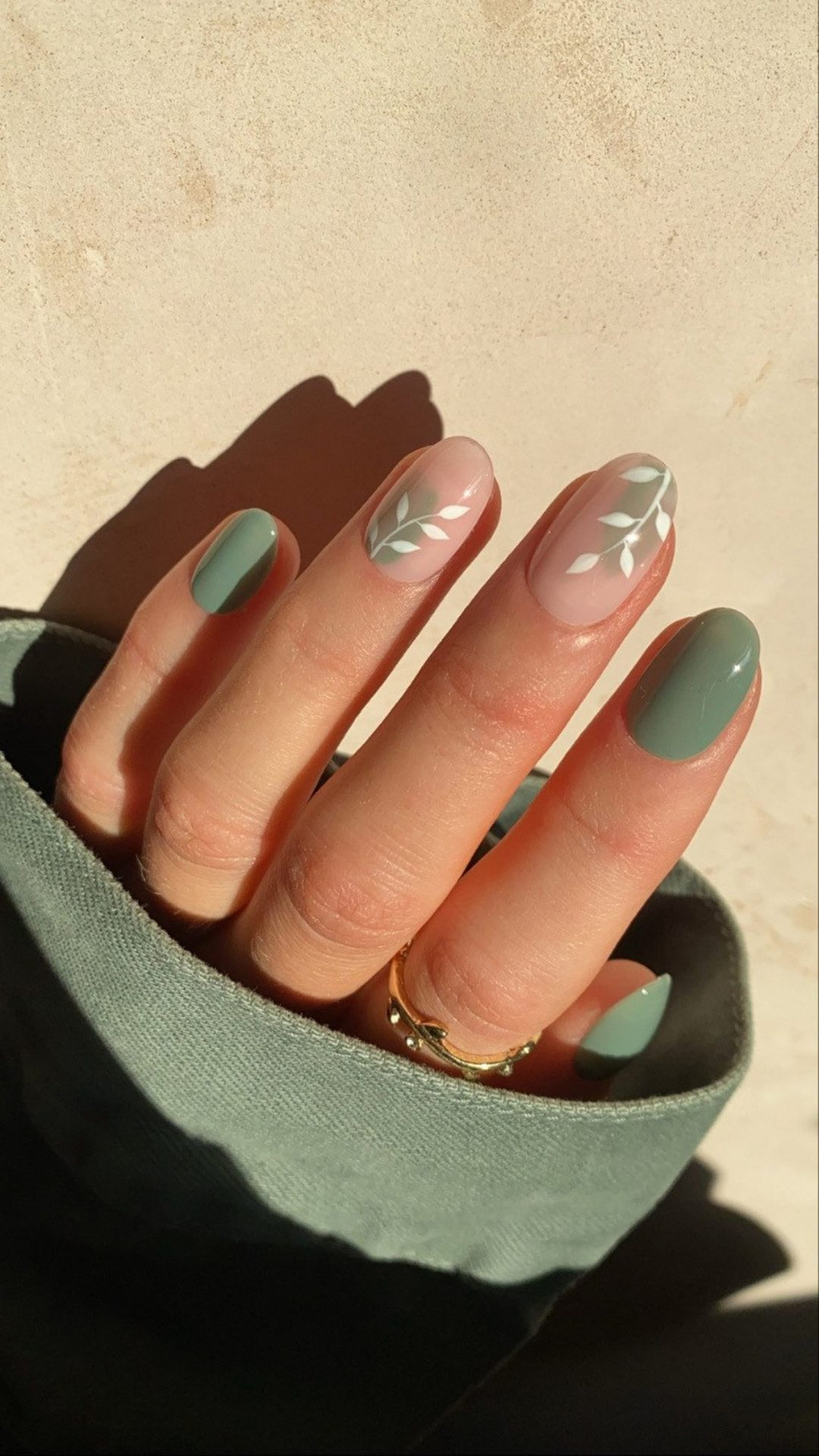 27 Sage Green Nails That Are Worth Swooning Over