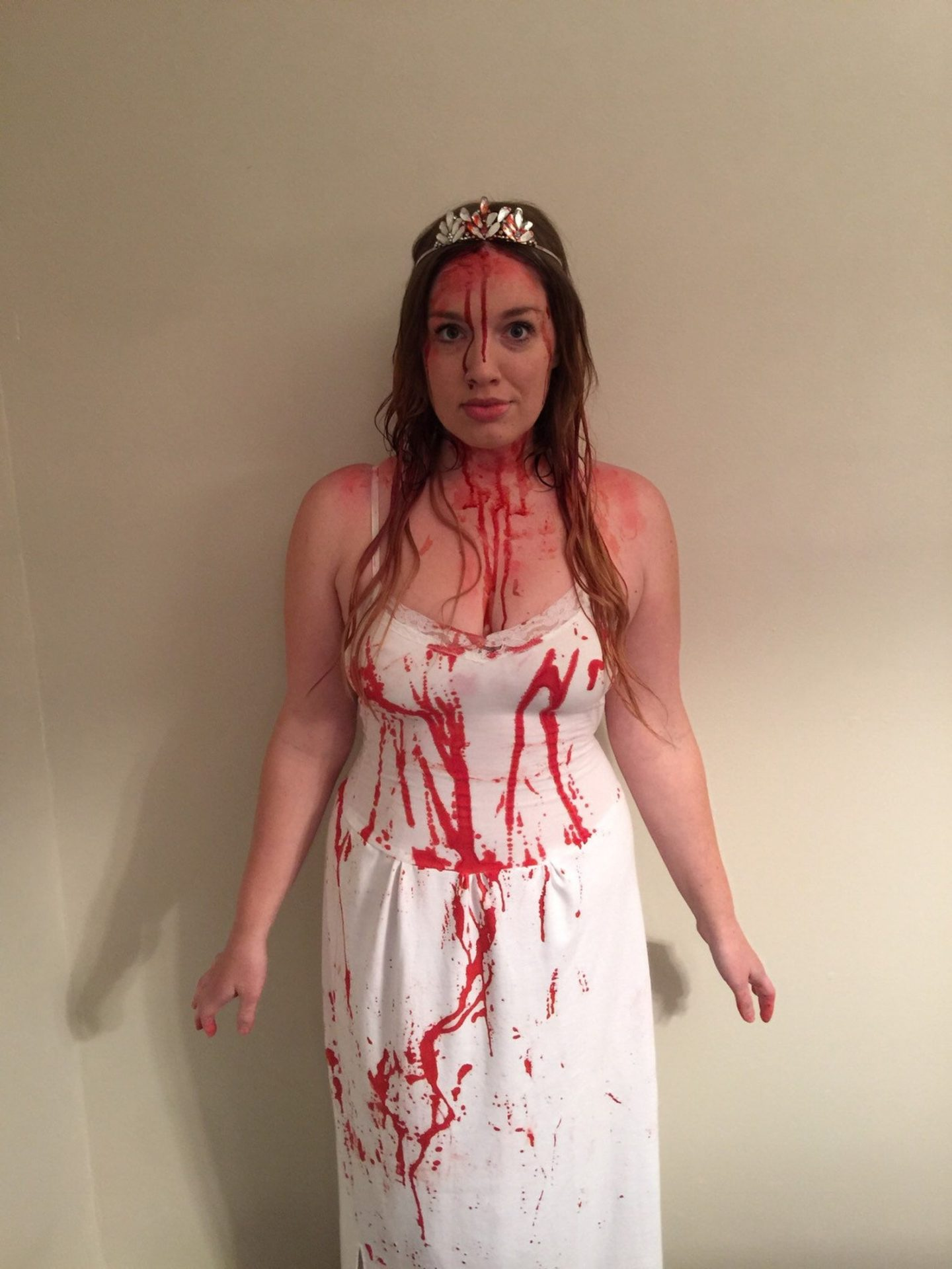 Bloody Carrie Halloween costume for women