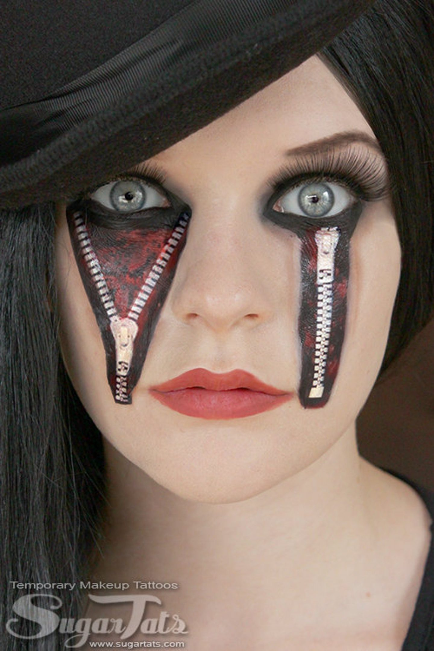 Scary Halloween makeup looks with zipper eyes