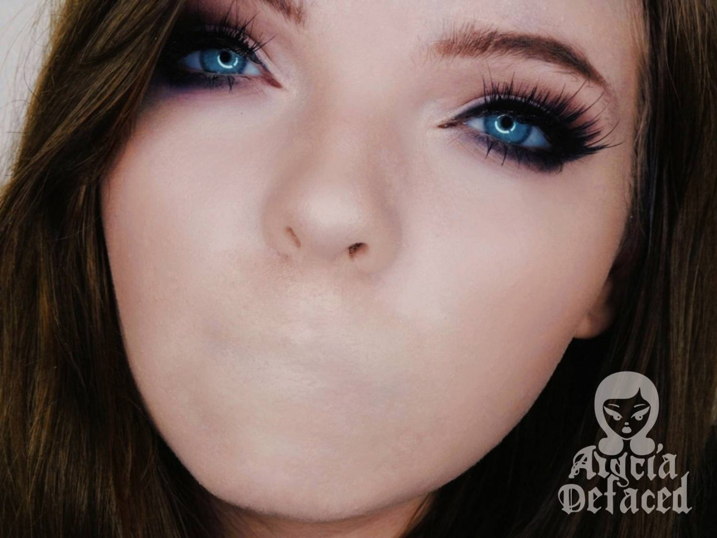 Scary mouthless Halloween makeup look