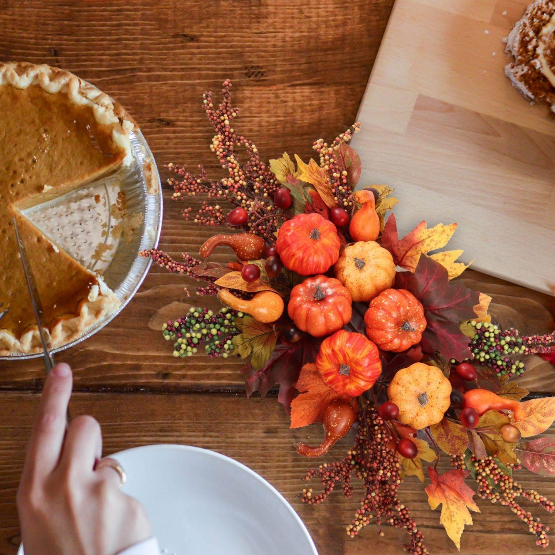 Fall Foliage Berries & Pumpkins Centerpiece