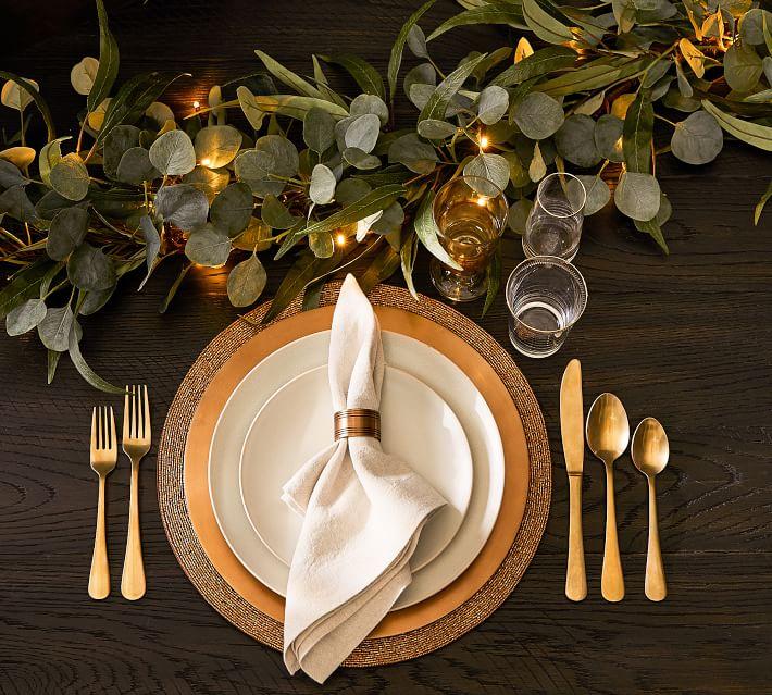 Black & Gold Thanksgiving table decor