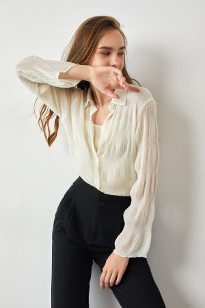 25 Best Stores Like Aritzia For Chic Elevated Basics