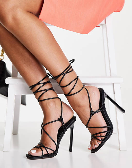 Best Shoe Colors To Wear With A Red Dress: Black strappy heels