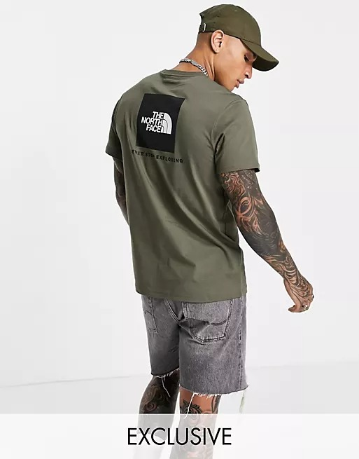 Green north face tee
