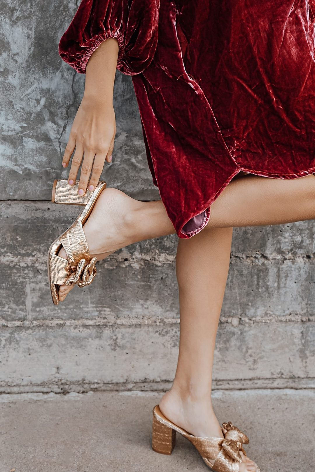 Best Shoe Colors To Wear With A Red Dress: Rose gold sandals