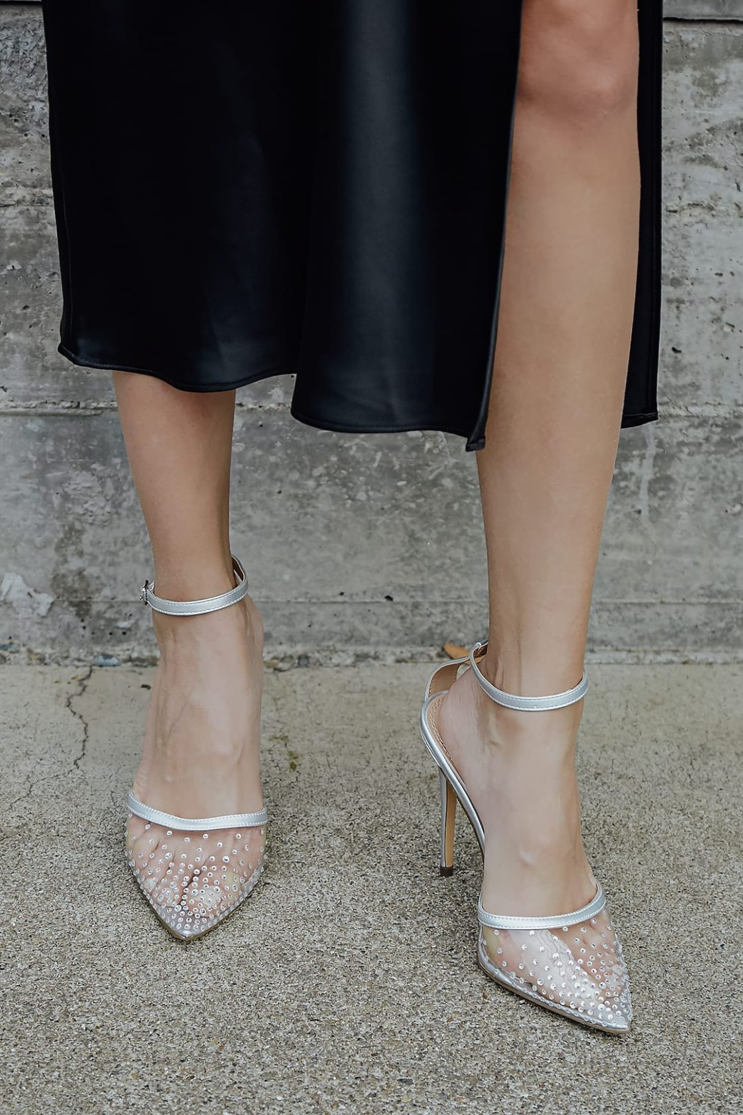 Best Shoe Colors To Wear With A Red Dress: Minimalist silver heels