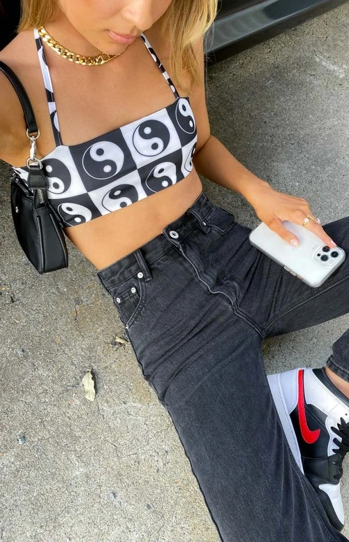 Yin yang black and white crop top for baddie outfits