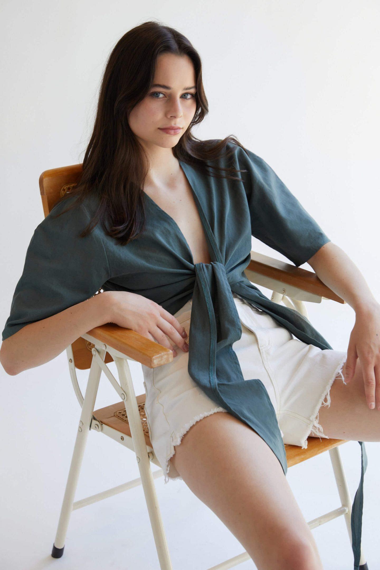 Blue-green knot top