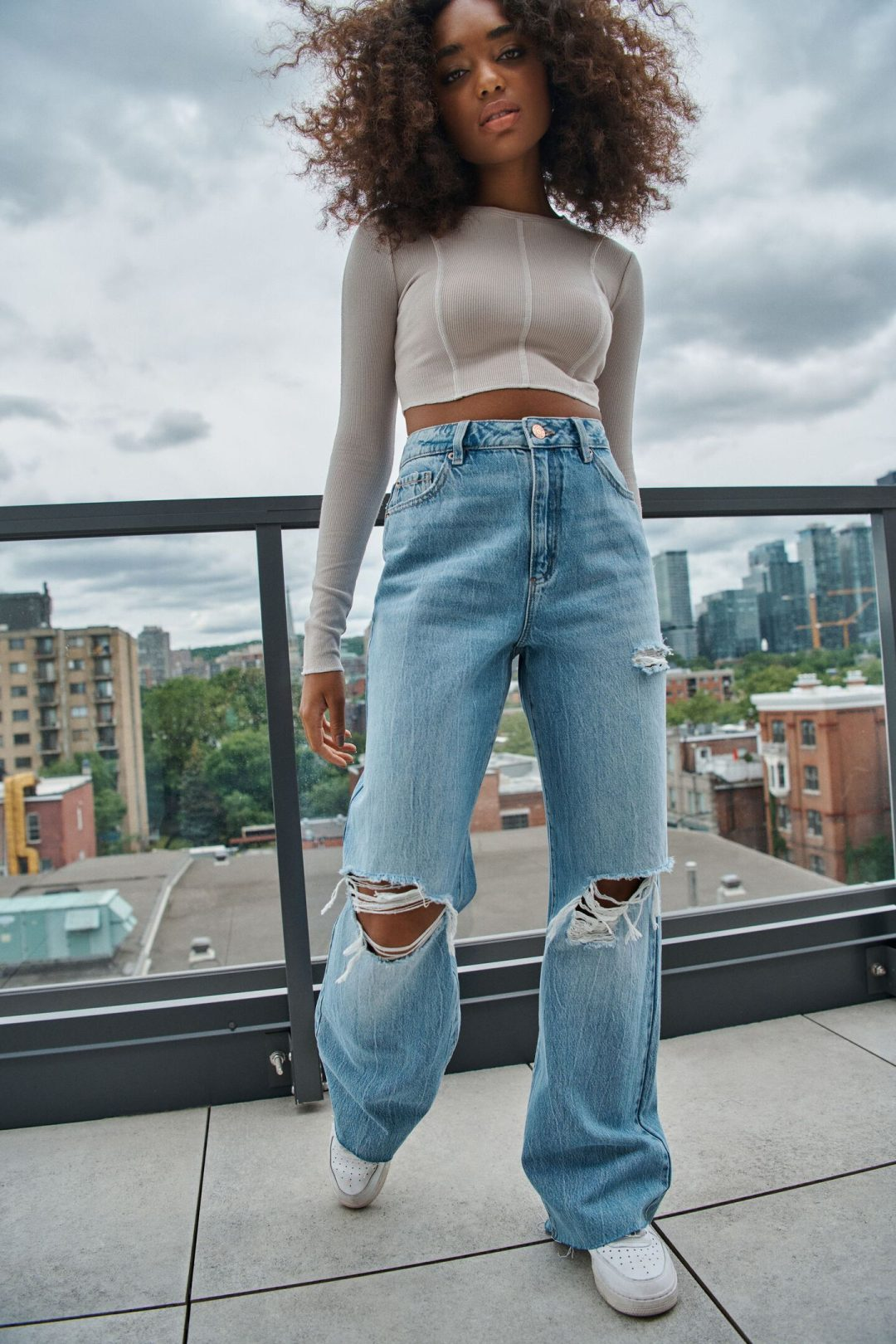 Cute aesthetic look with baggy jeans