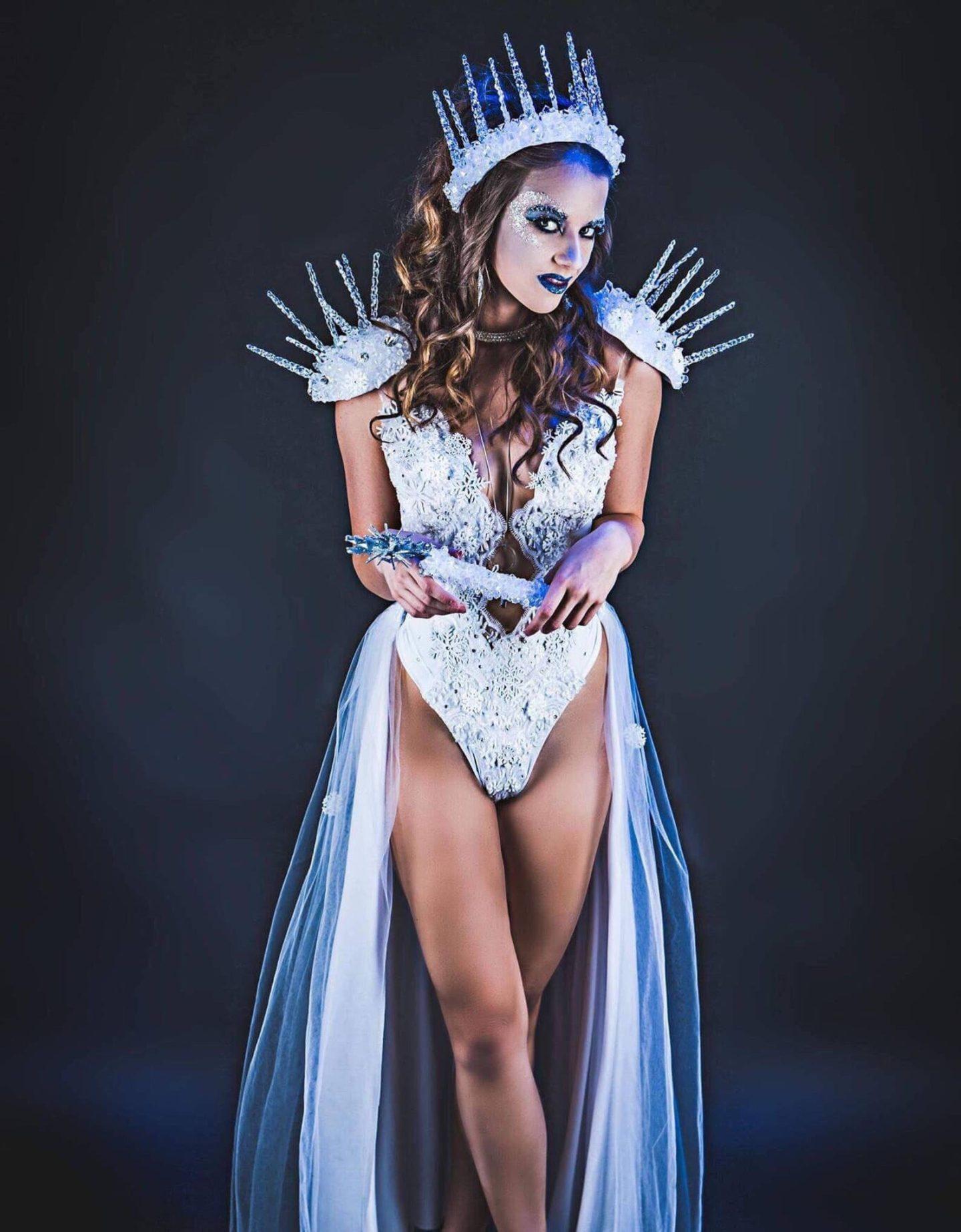 Cute ice queen Halloween costume for women