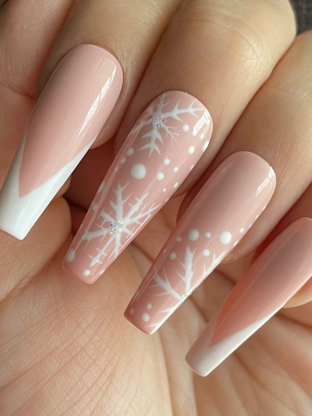 40 Dazzling Snowflake Nails To Wear This Winter