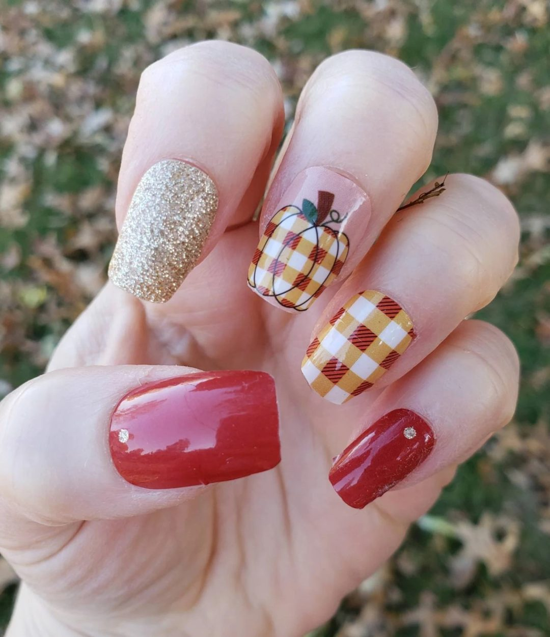 Pumpkin patch plaid nails for fall