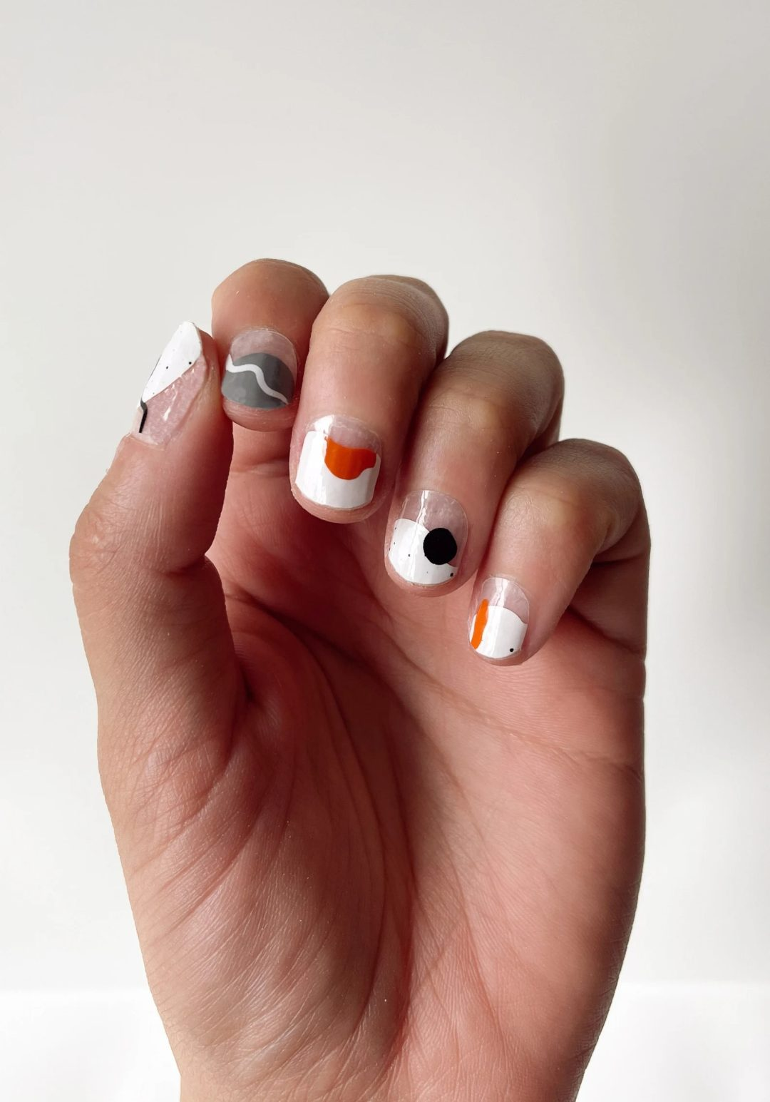 Minimalist abstract nails