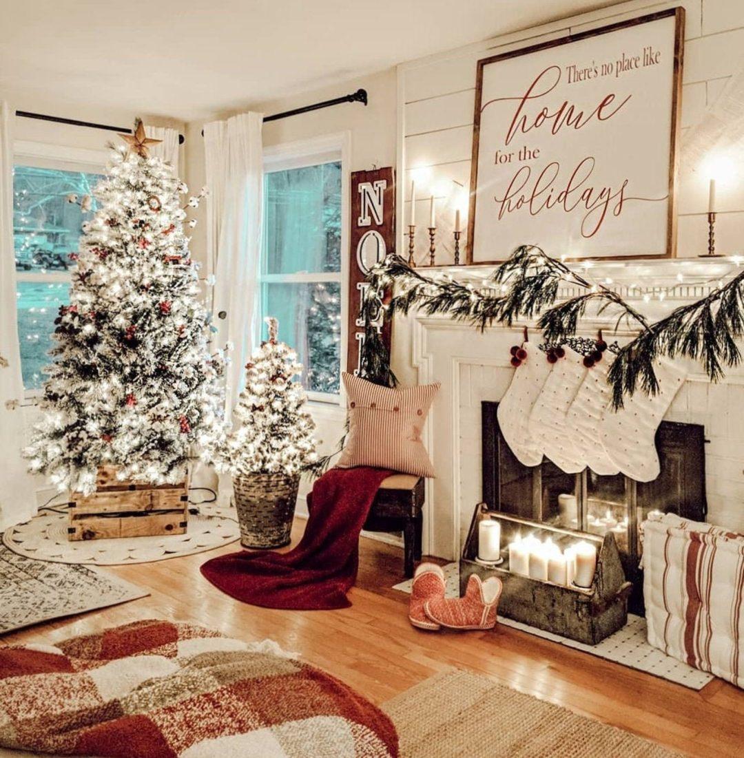 30 Beautiful Christmas Mantel Decor Ideas For The Fireplace