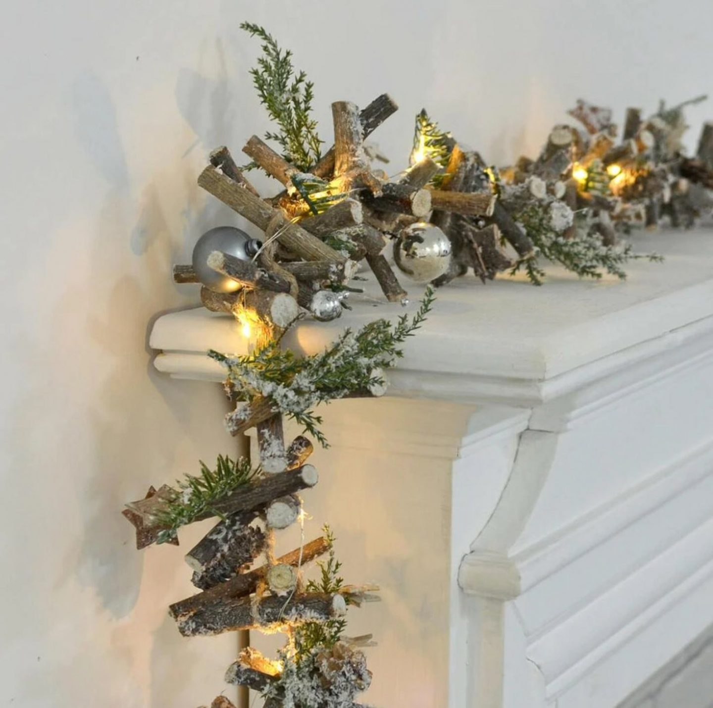 Pre-Lit Wooden Garland for the fireplace