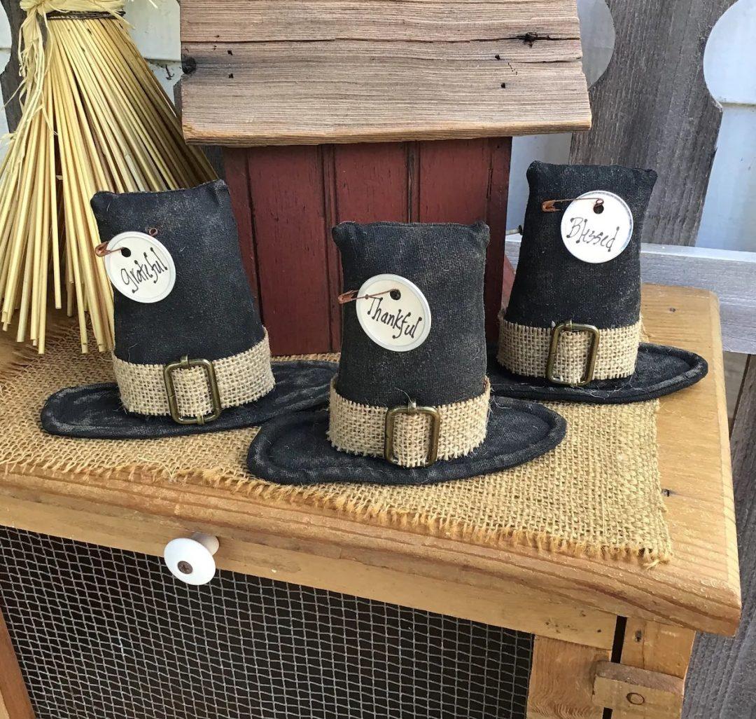 Thanksgiving pilgrim hats centerpiece