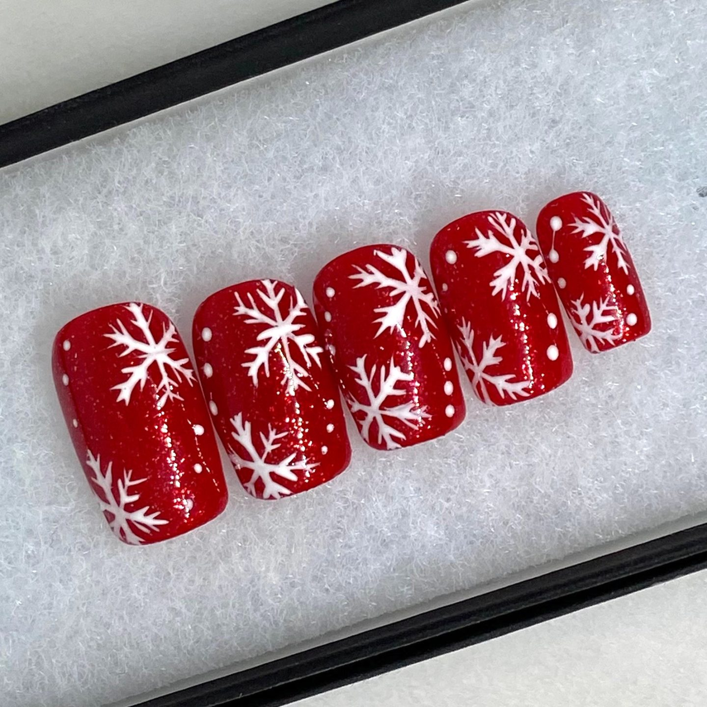 Cute red and white snowflake press on nails